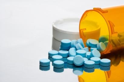 Prescription bottle with pills_low